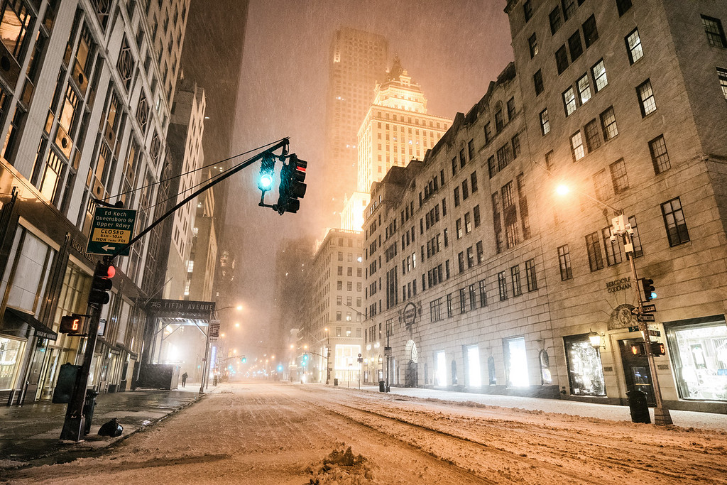 New York City - Snow - Winter Storm - Empty 5th Avenue - Bergdorf