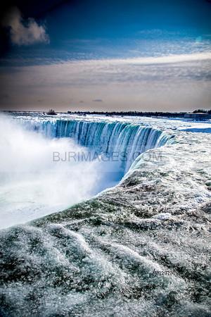 Canadian Horseshoe Falls in Niagara Falls