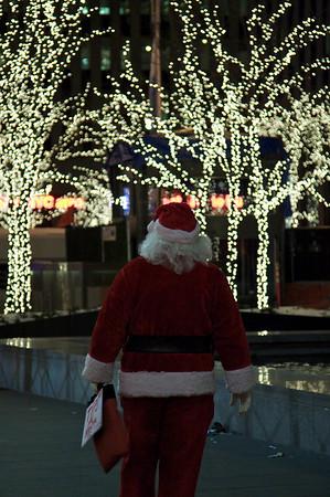 Santa on 6th