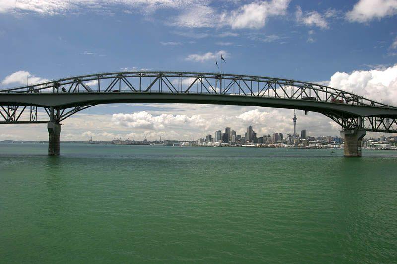 Harbour Bridge, Auckland, New Zealand  ©Tomas del amo 2004