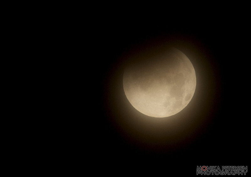 Lunar Eclipse Dec.10, 2011 ... hazy at first and then the clouds moved in