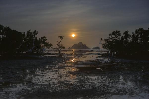 Moonrise over Isla Gigante