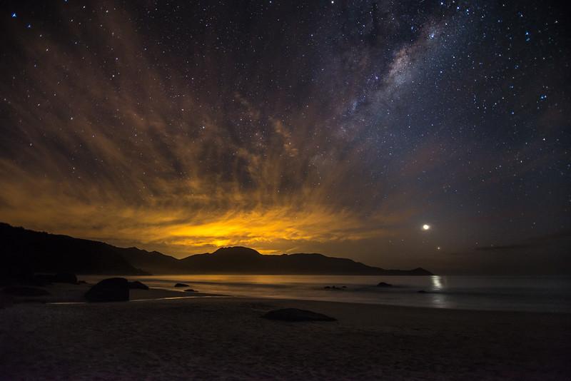 Daybreak under the Milky Way