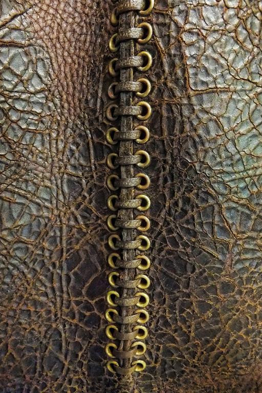 Boot stitching_900600