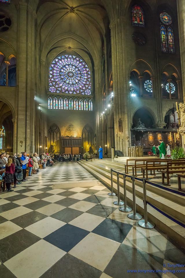 IMAGE: https://photos.smugmug.com/Photography/Notre-Dame-Paris/i-QKjtJ9h/0/13f77dae/X2/DSC08289-X2.jpg
