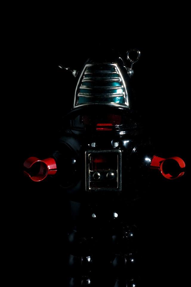Tannerbrekt as the evil robot overloard.