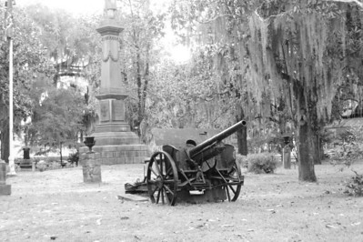Selma, Alabama - Old Gun - Live Oak Cemetery