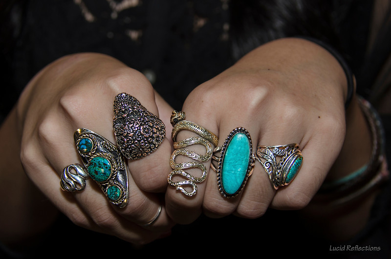 Hanna and her rings. She's sporting my kind of style... points for the uniqueness factor.