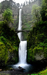 Multnomah falls Oregon water