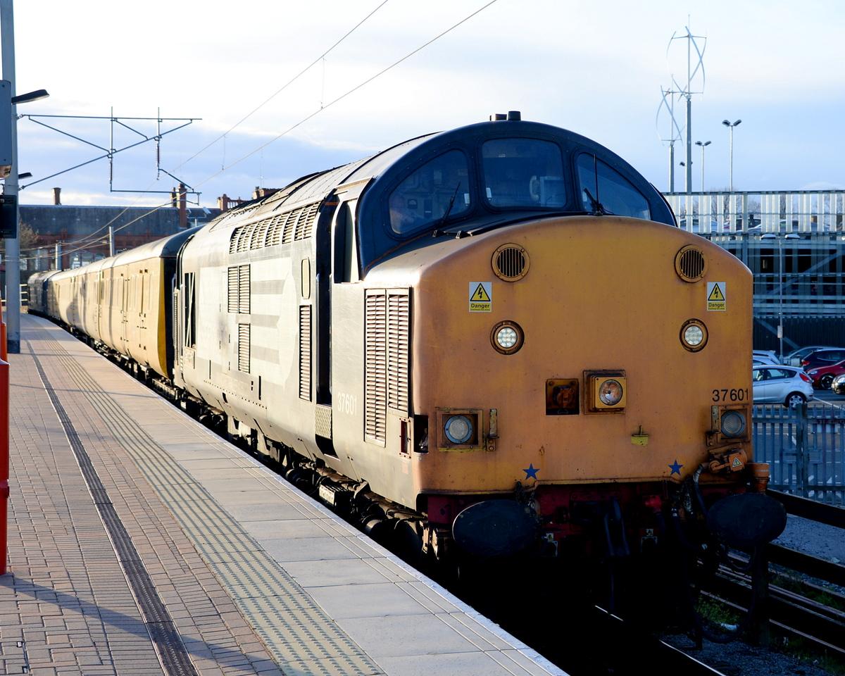 37601, Wigan North Western. 29/04/15.