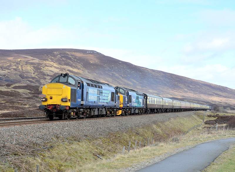 37259 and 37609, Drumochter. 17/04/17.