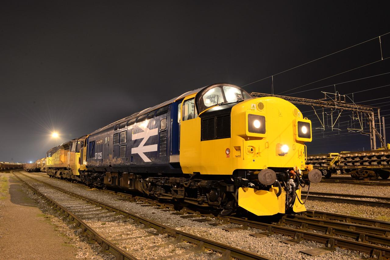 37025 and 70804. Crewe Basford Hall. 18/01/16.