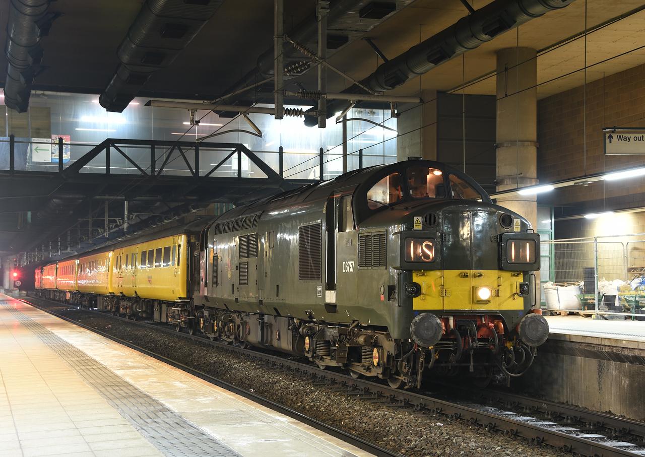 37057, Manchester Victoria. 11/01/18.