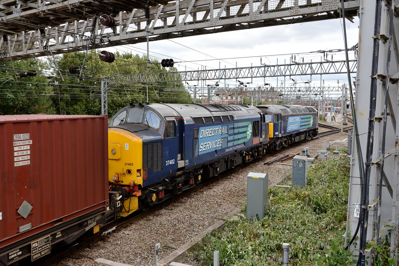 37402 and 57008, Crewe. 16/08/14.
