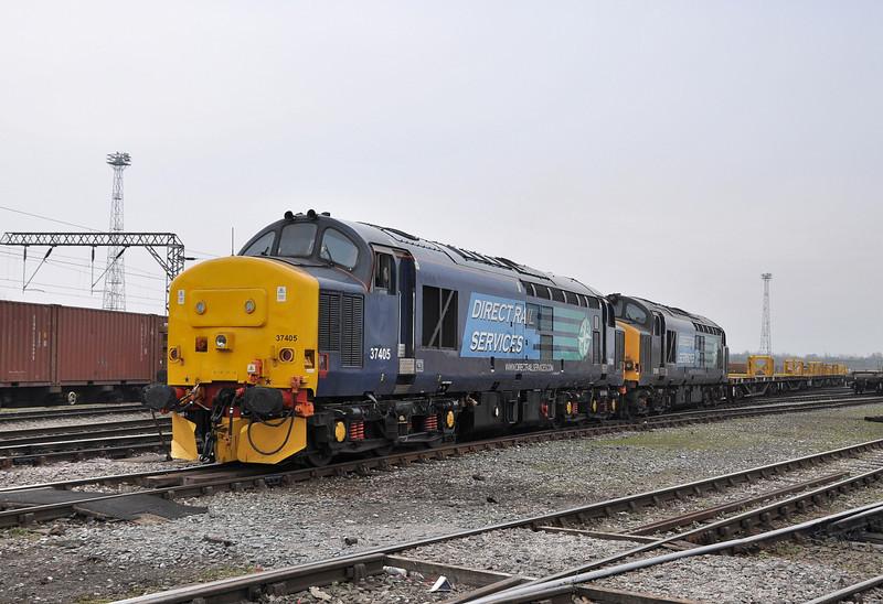 37405 and 37609, Crewe Basford Hall. 02/04/14.