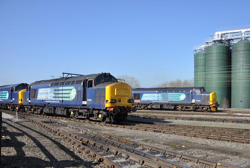 37611 and 37402, Crewe Gresty Bridge. 11/03/14.
