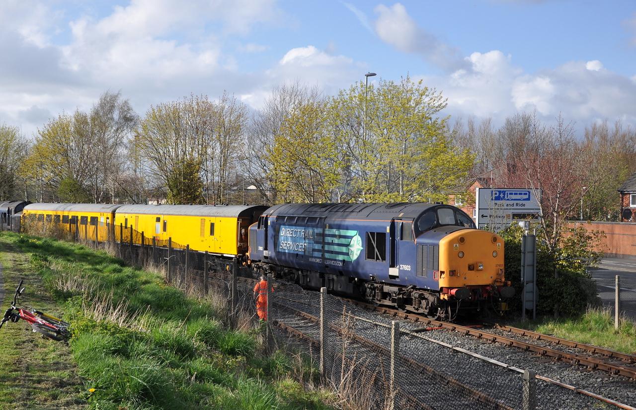 37603, Preston Docks line. 01/05/13.