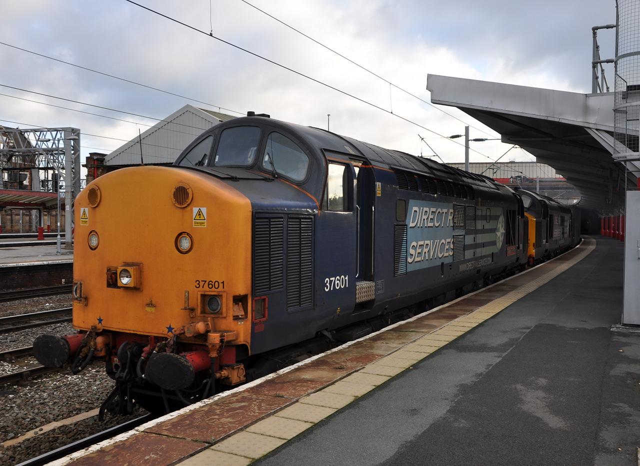 37601 and 37261, Crewe. 22/11/13.
