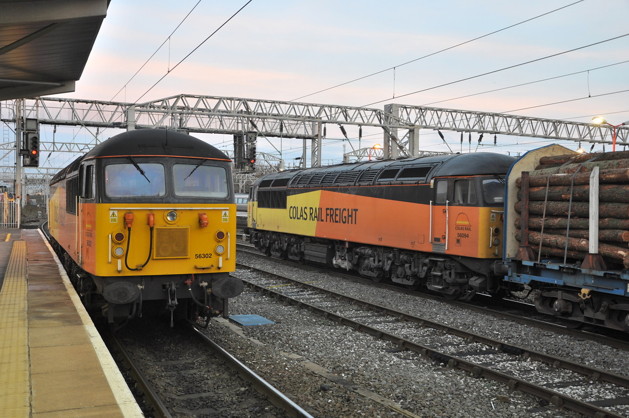 56302 and 56094, Crewe. 29/11/13.