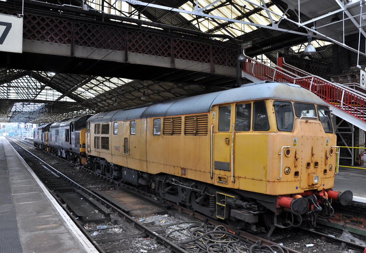 31105, 37606 and 37608, Crewe. 18/10/13.