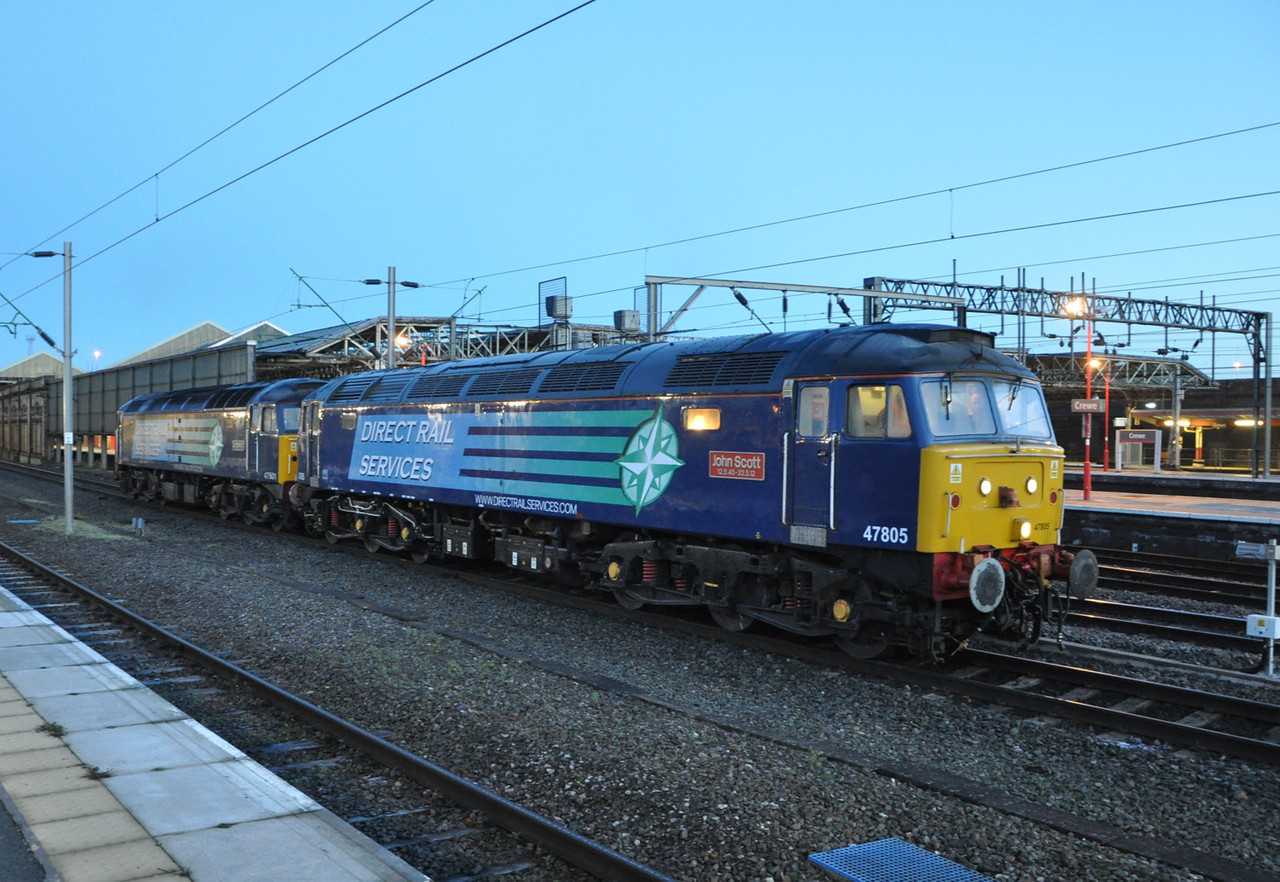 47805 and 47501, Crewe. 17/12/13.