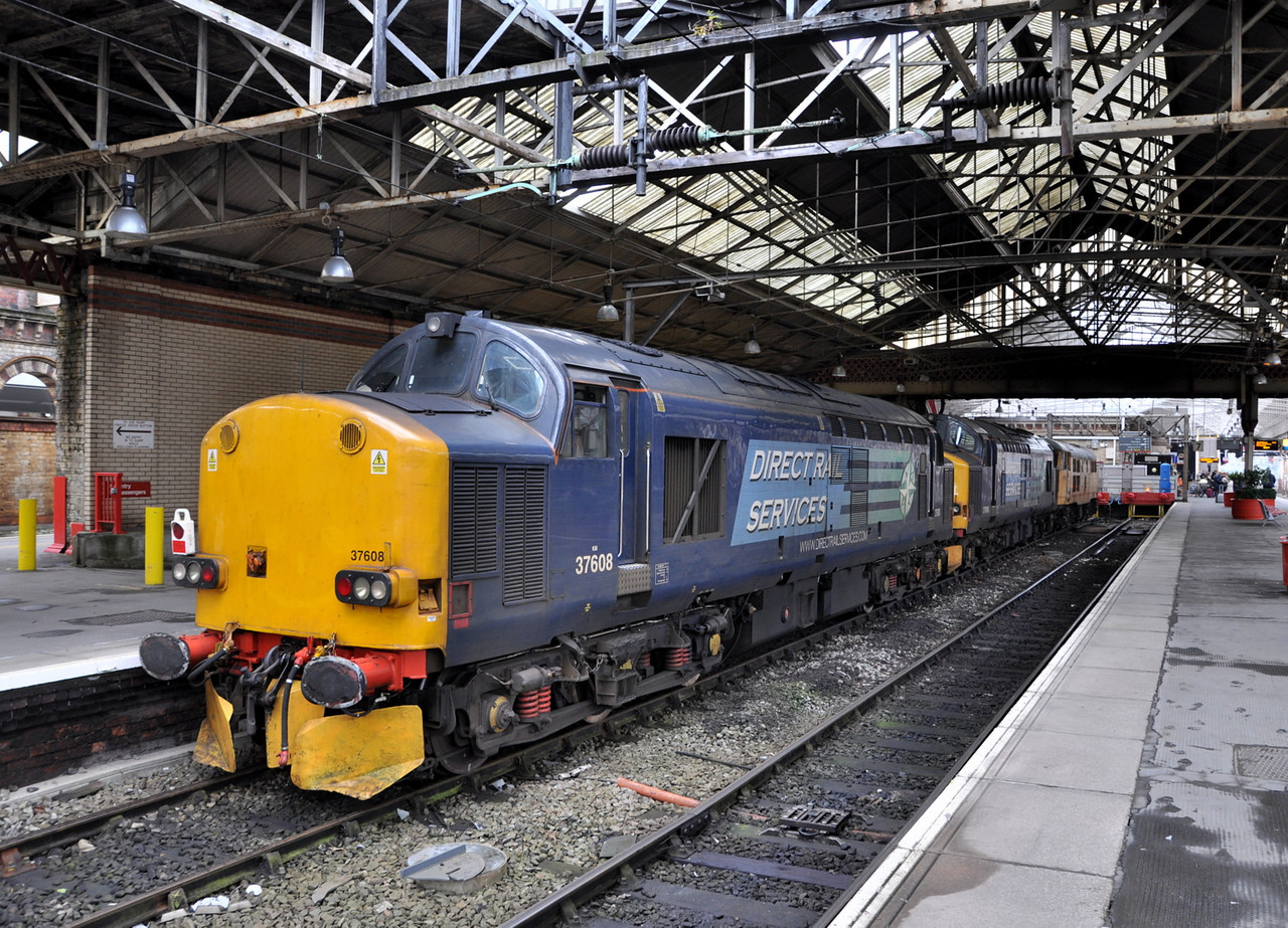 37608, 37606 and 31105, Crewe. 18/10/13.
