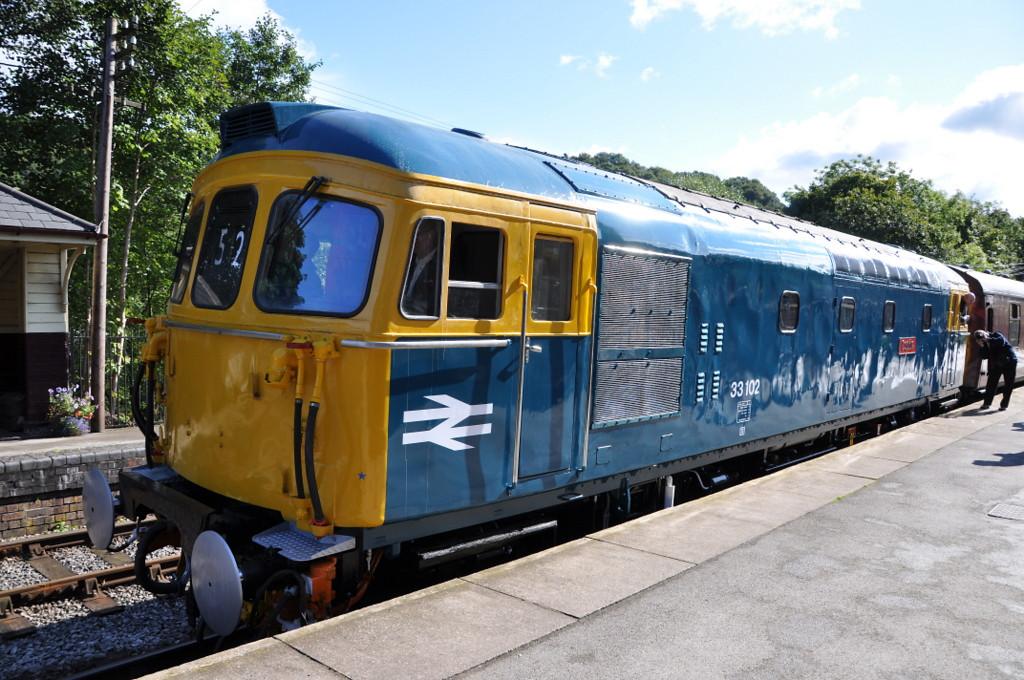 33102, Kingsley & Froghall. 22/09/12.