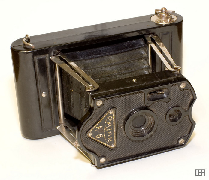 The Rajar No 6 Black Bakelite Camera, 1929