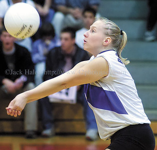 jhbloom/ganvb3 - Erin Weld of Bloomfield makes a pass in game two for the Bombers.