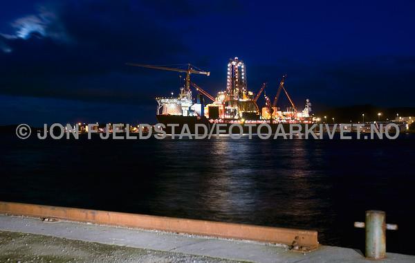 West Navigator ved CCB - Ågotnes
