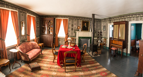 Parlour in Robertson House