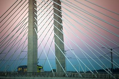 Tilikum, Bridge of the People