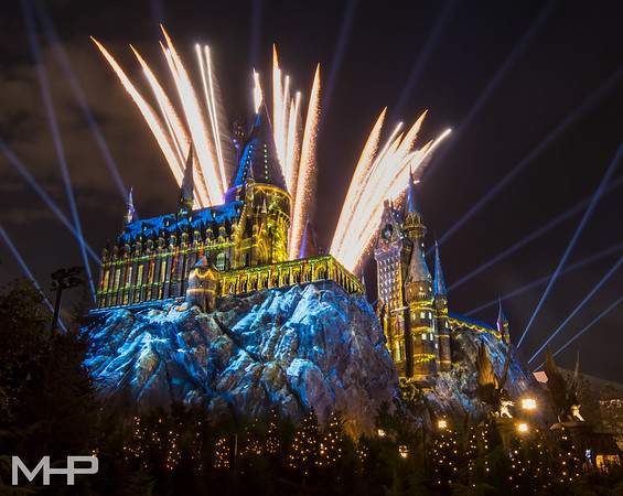 A Very Merry Hogwarts Christmas