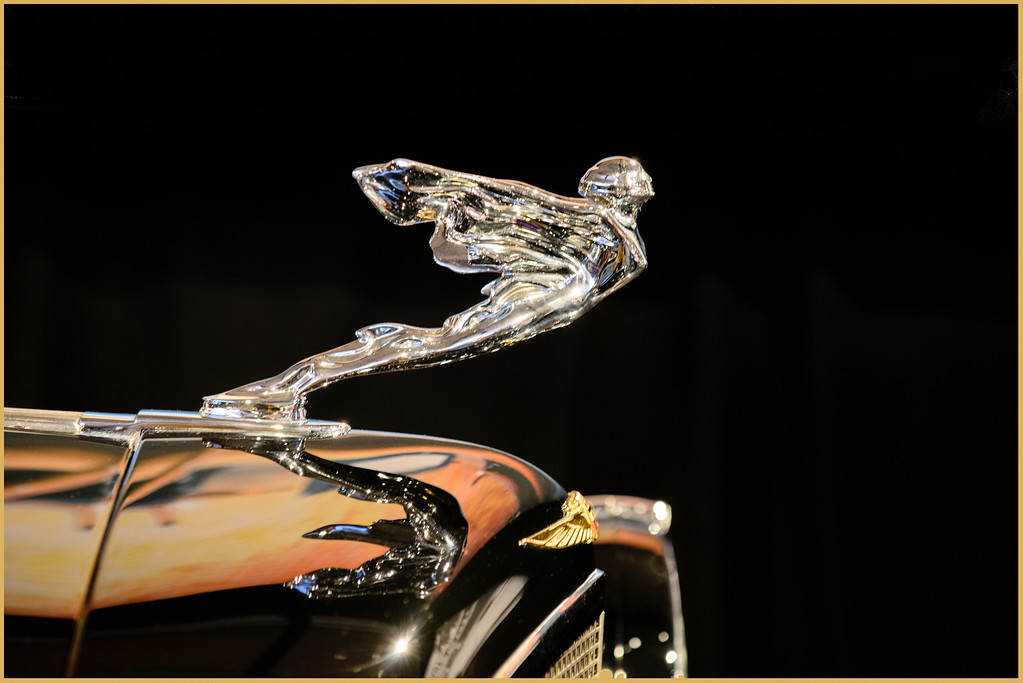 HOOD ORNAMENT REFLECTION