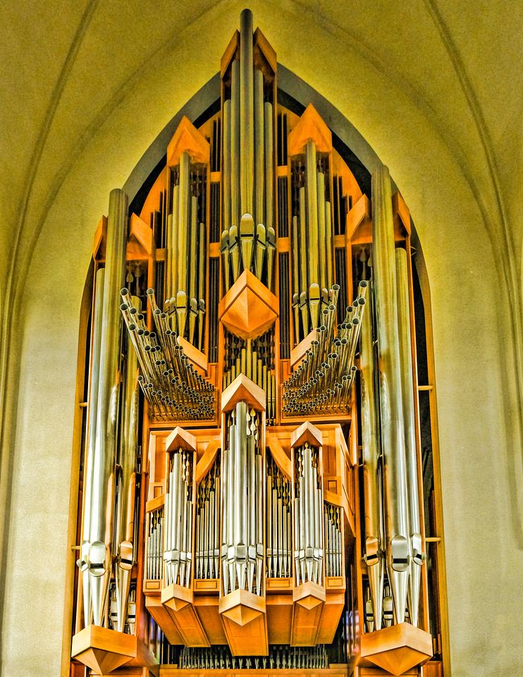 PIPE ORGAN IN HALLGRIMSKIRKJA
