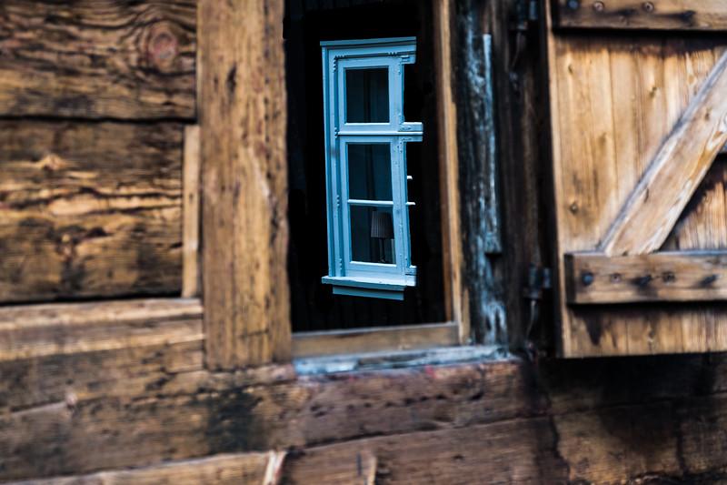 WINDOW REFLECTING A WINDOW