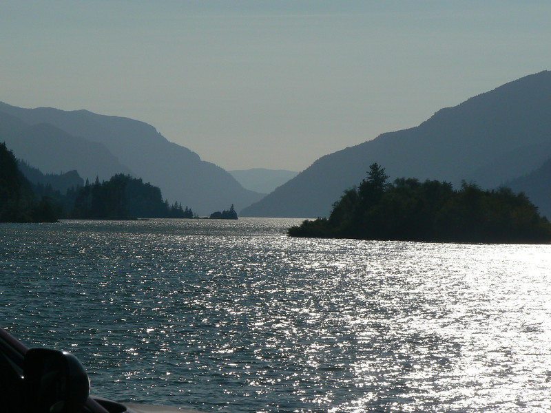 Columbia River flowing West from Hood River, OR