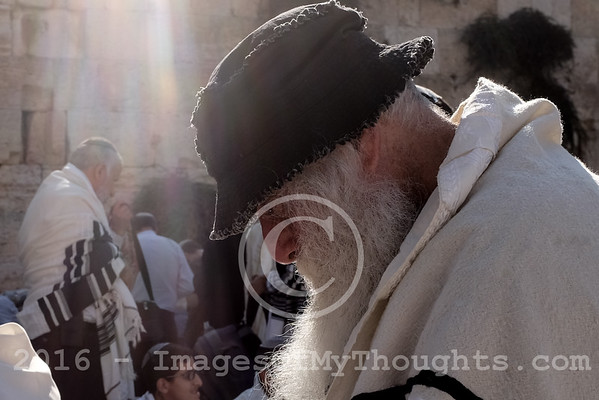 Jews Mourn Temple Destruction in Jerusalem, Israel