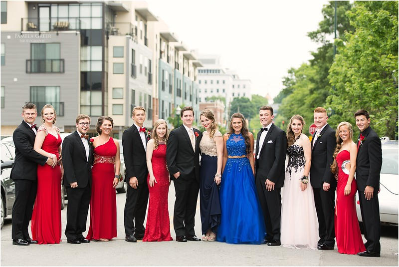 Large prom group photos | Chattanooga