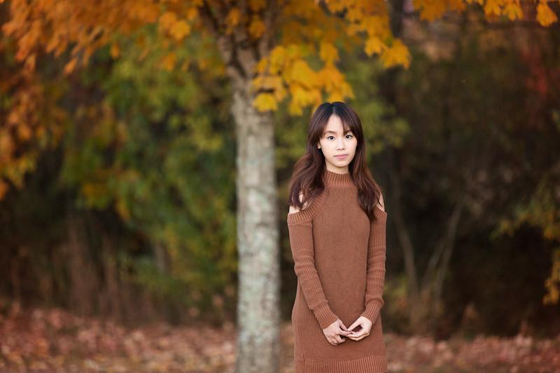 Senior girl poses | Pamela Greer Photography