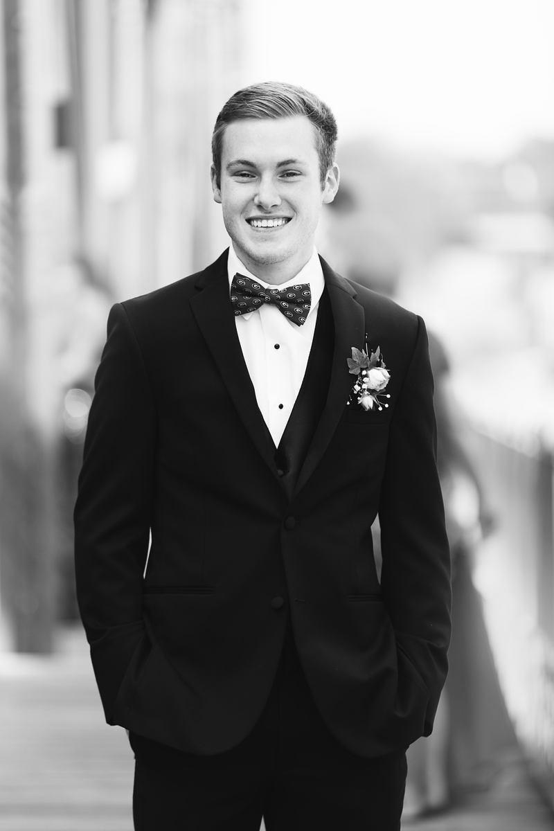 SDHS prom photos in black and white,
