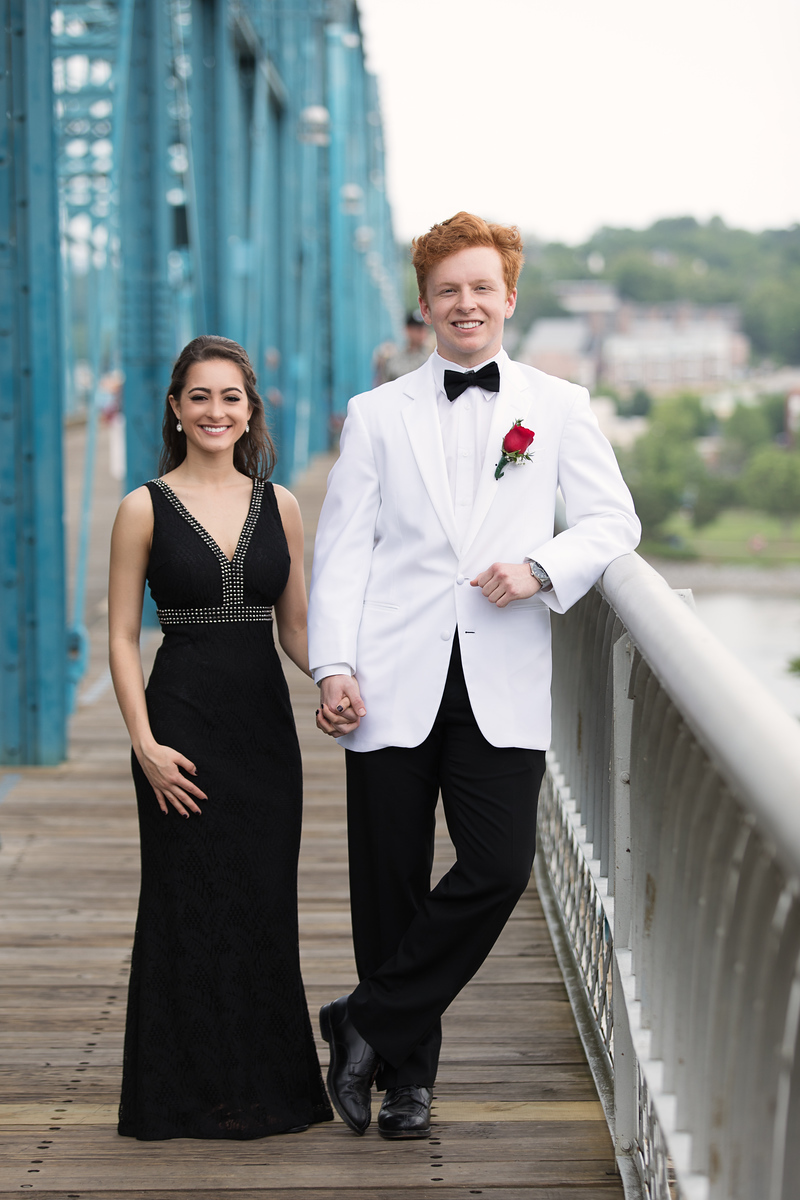 Chattanooga Notre Dame High School Prom photos - couple on Walnut Street Bridge
