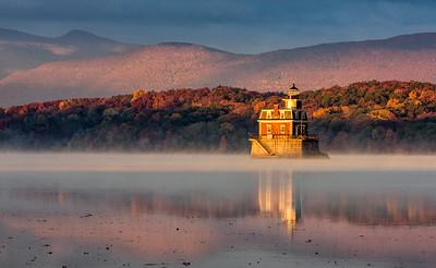 1610_Hudson Lighthouse, RVW Bridge, Hudson River_035-Edit