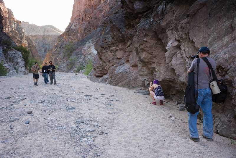 Photo by Glen Nakasako.  Anne & Kent frame their subjects in the canyon.