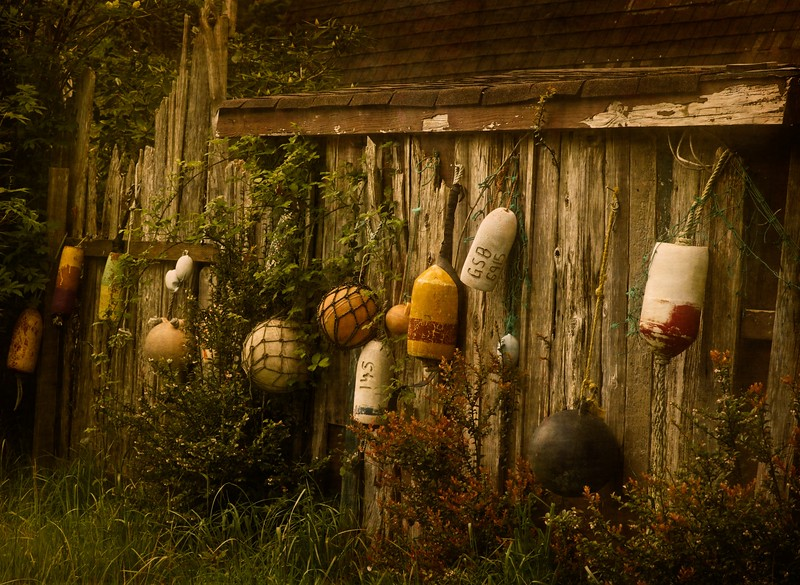 Yard décor near Yachats, Oregon.<br /> Photo © Cindy Clark