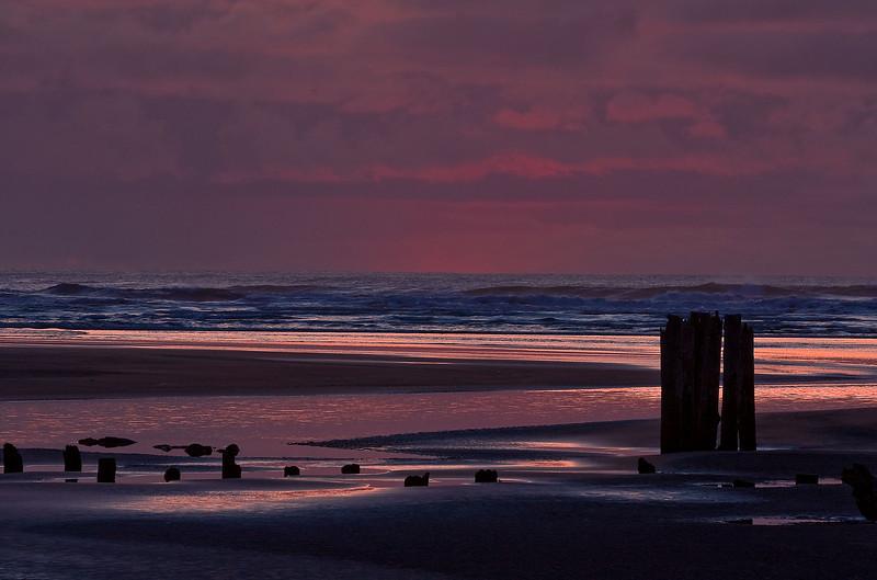 At the edge of the continent - Washington coast.<br /> Photo © Cindy Clark