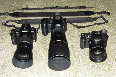 GH2+100-300+hood (left), FZ30+TC-E17ED+hood (middle), FZ20+Chen+hood (right)