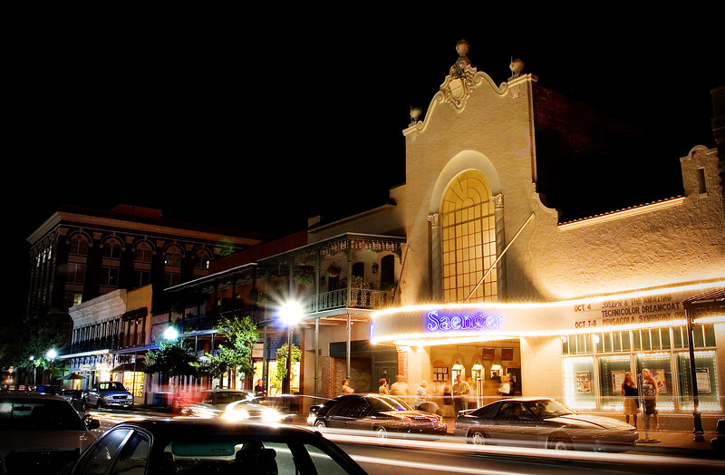 ***Saenger at Night