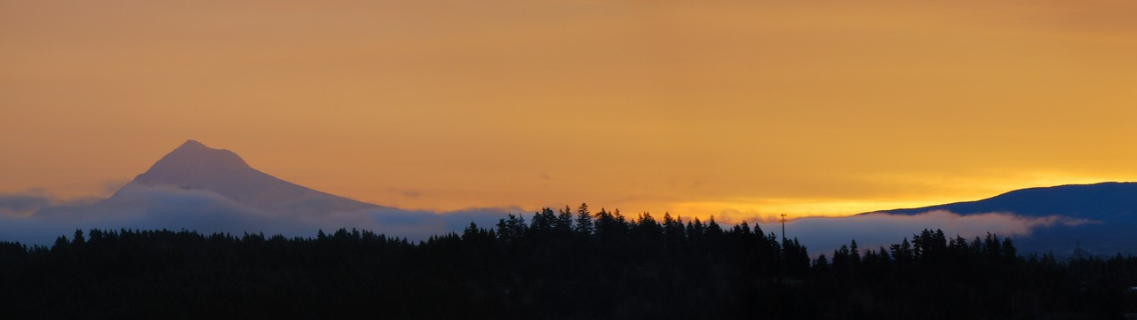 Mt. Hood sunrise<br /> (Narrow crop)