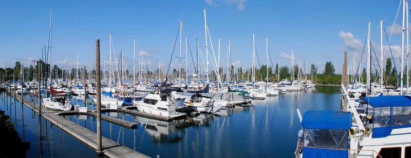 <b>Tomahawk Island Marina </b><br><i>Portland, OR</i>
